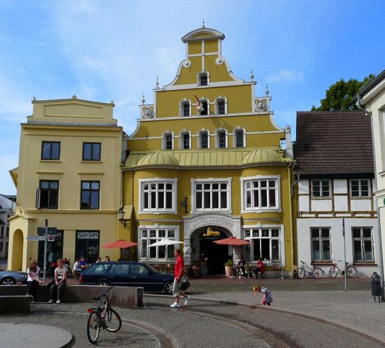 Wismar stralsund and wismar street reflection germany for Innenarchitektur wismar